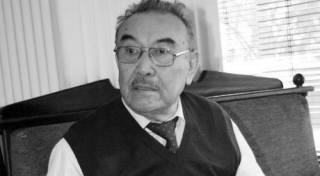 Умер писатель Шерхан Муртаза